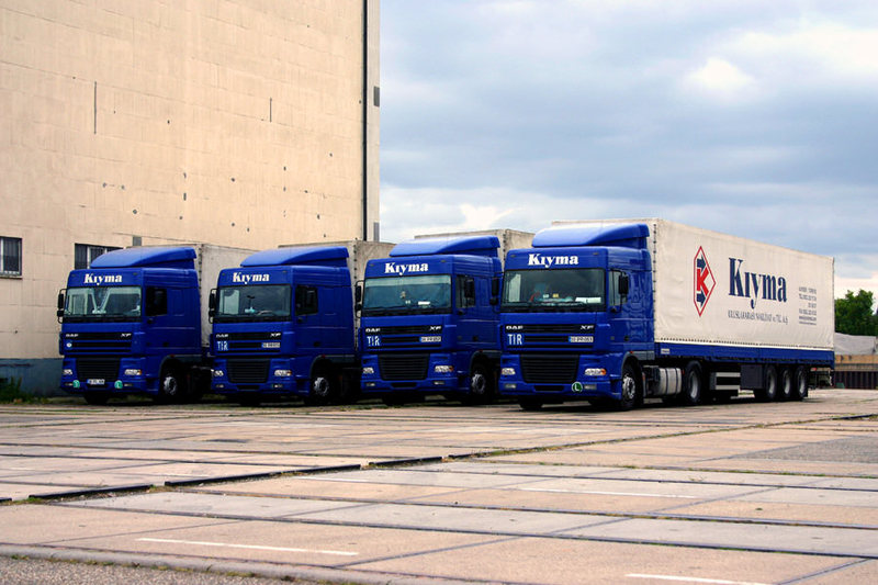 Два и повече камионa от една фирма DAF-XF-Kiyma-Ackermans-011107-01-TR